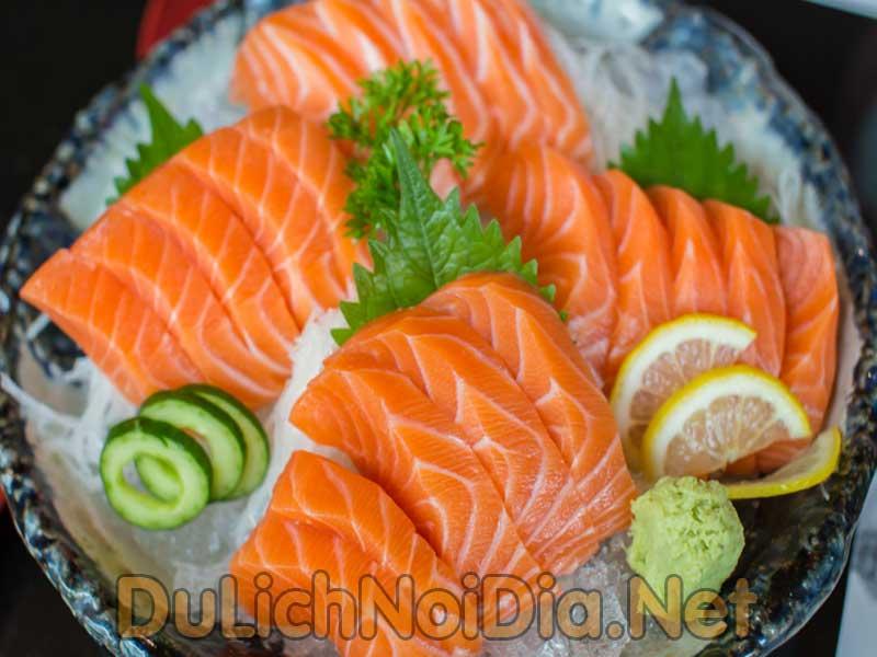 giá trị dinh dưỡng của cá hồi rất cao và dồi dào