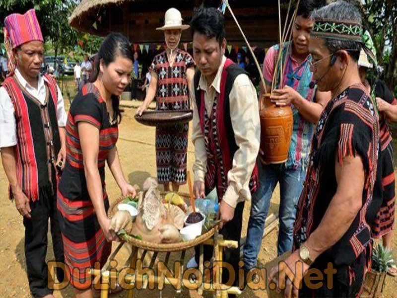 lễ hội cơm mới tây nguyên