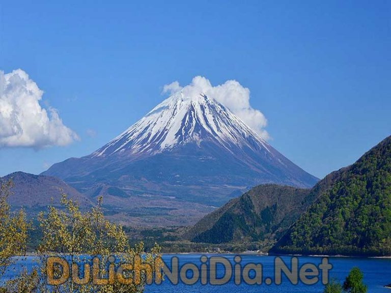 Những địa điểm du lịch nổi tiếng của đất nước hoa anh đào Nhật Bản