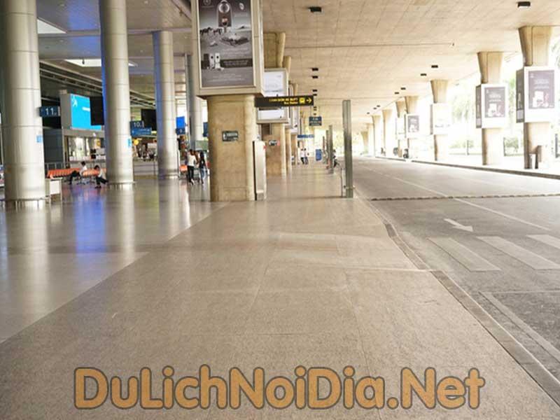 sân bay Tân Sơn Nhất luôn vắng khách do dịch covid-19