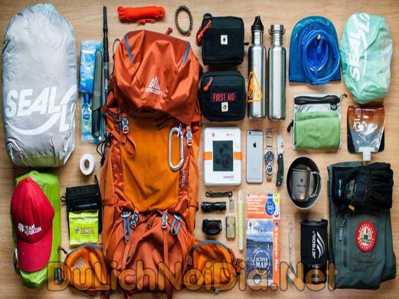 vật dụng cần thiết khi đi cắm trại